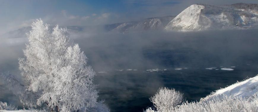 Байкальская зима. Фото Бориса Слепнёва