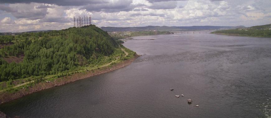 Ангара в районе Усть-Илимска