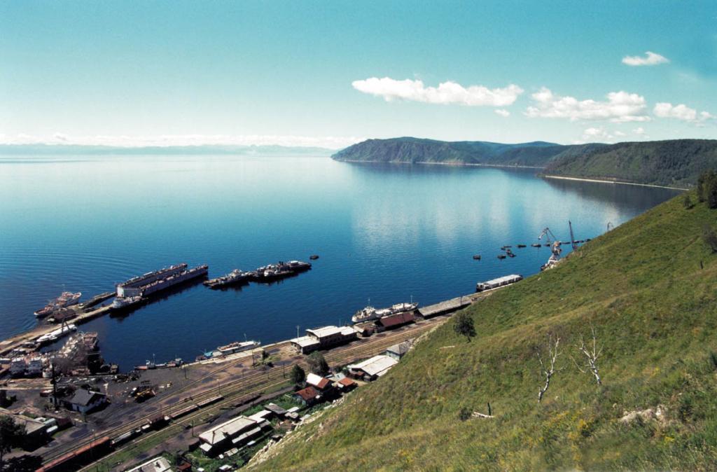Порт Байкал, с которого в прошлом начинался маршрут Кругобайкальской железной дороги, в настоящее время (после строительства Иркутской ГЭС) является конечной станцией тупиковой ветки одной из самых красивых железных дорог мира.