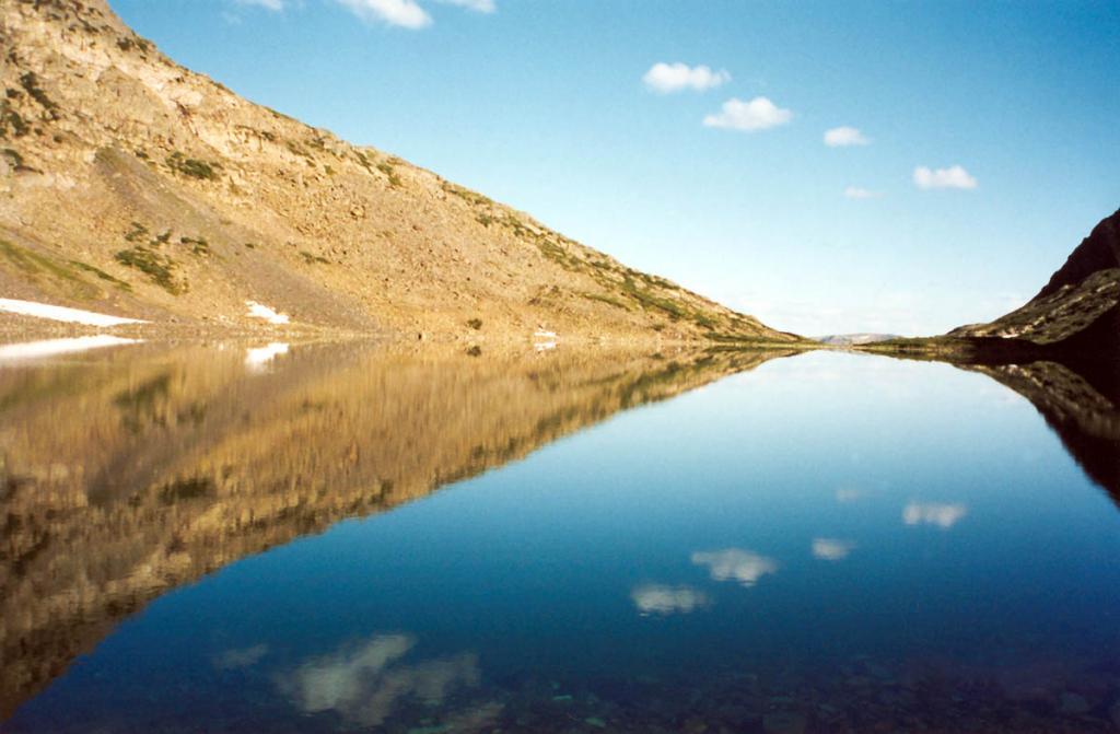 Утро на озере Оленье. Байкальский хребет. Вершина ручья Правый Толококтай, левый приток реки Правая Тонгода.