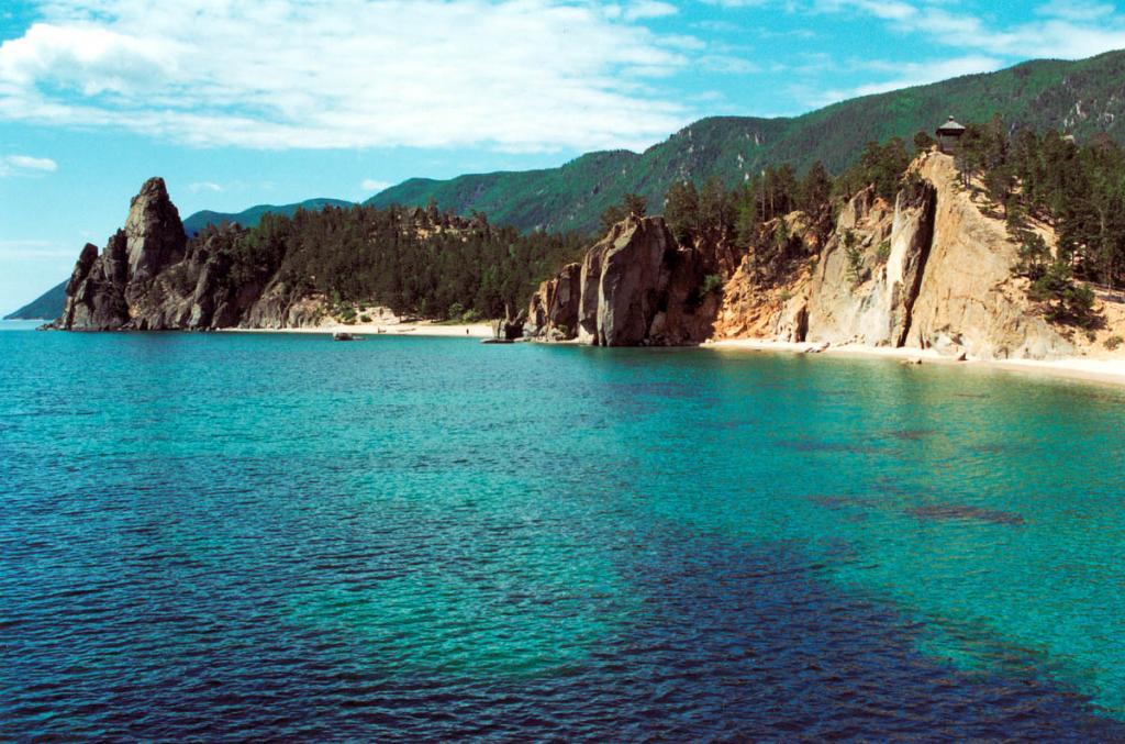 В добайкальский период в районе бухты Песчаной находилось древнее озеро.