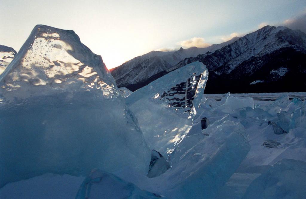 """Пять месяцев в году """"Колодец планеты"""" скован сибирскими холодами."""
