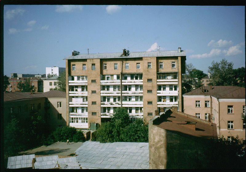Виды окрестностей гостиницы Интурист в Иркутске.