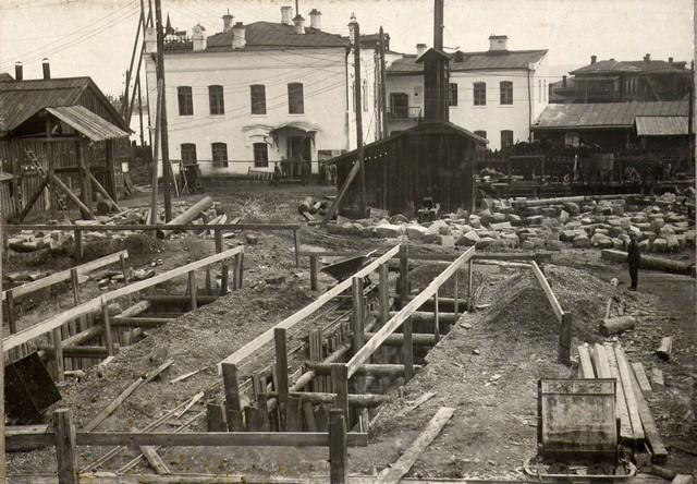 Котлован опор правобережной эстакады. Июль 1934г.