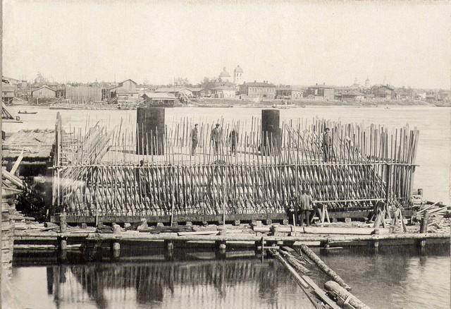 Постройка речного кессона №0 июнь 1932.