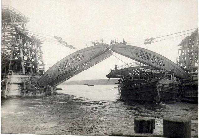 Монтаж дощатых кружал в пролете. Июль 1935 г.