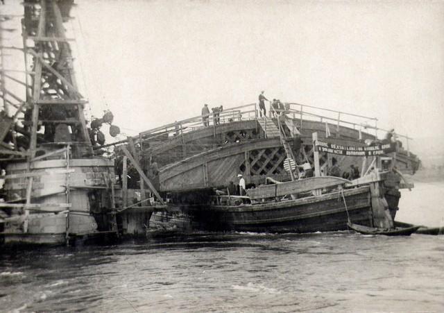 Подготовка к монтажу дощатых кружал в пролете. Июль 1935г.
