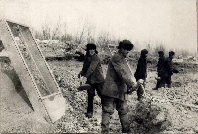 Разработка инертных материалов в карьере на р. Иркуте. 15.03. 1936г.