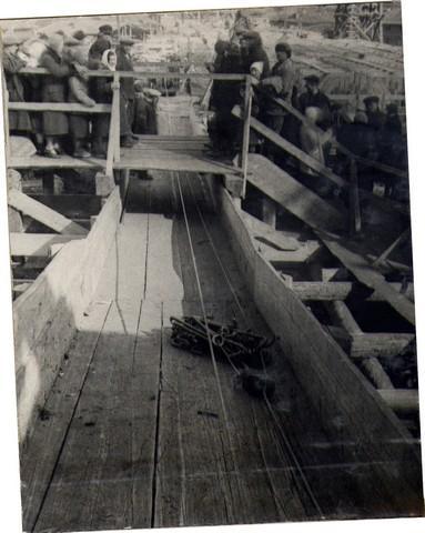 Подача арматуры к месту укладки механизированным способом. Апрель 1936г.