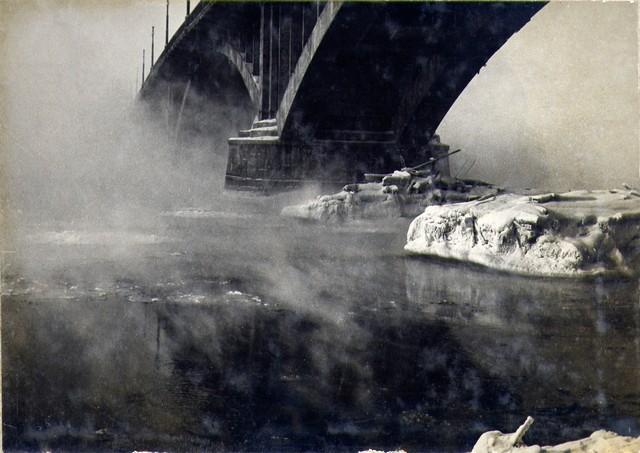 На Ангаре поднимается туман… Появилась шуга. Январь 1937 г.