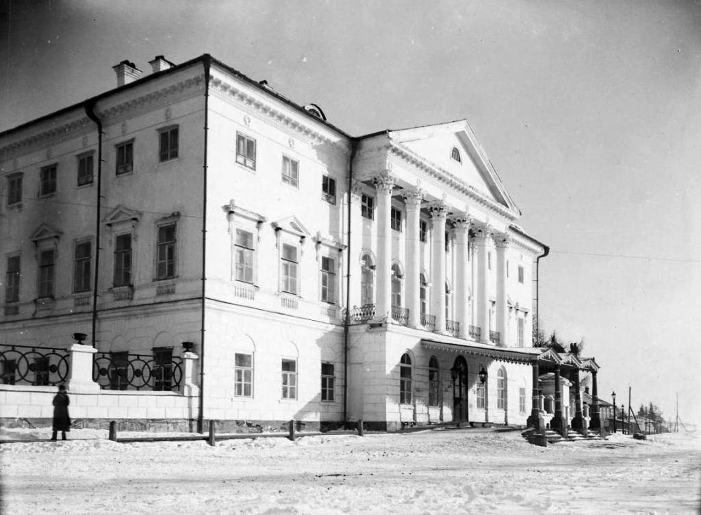 Белый дом генерал-губернатора Иркутской губернии (зимой)