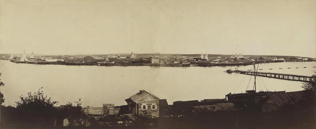 Вид на допожарный Иркутск и Троицкий перевоз из предместья Глазково 1870