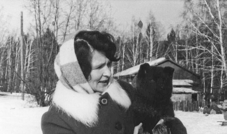 Старший зоотехник питомника Людмила Валентиновна Лукина