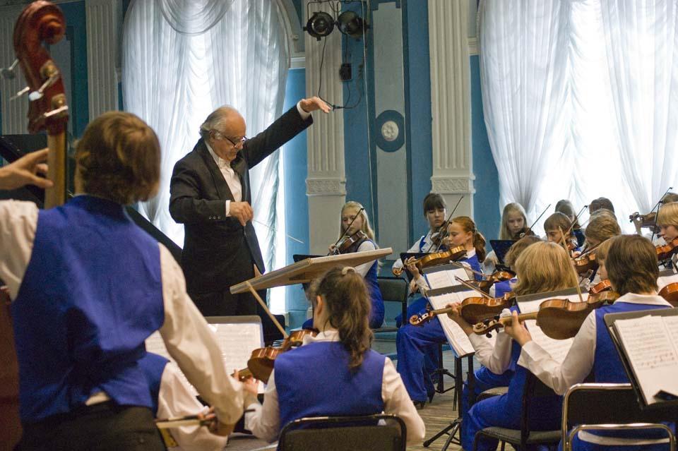 Большая музыка для маленьких инструментов (детский оркестр, Леонид Безродный)