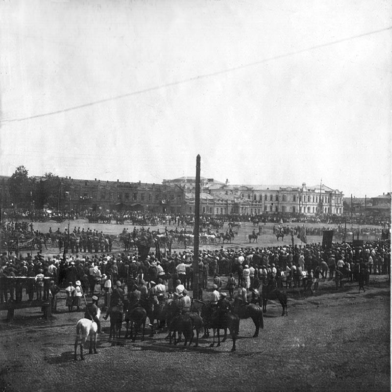 Тихвинская площадь 1918