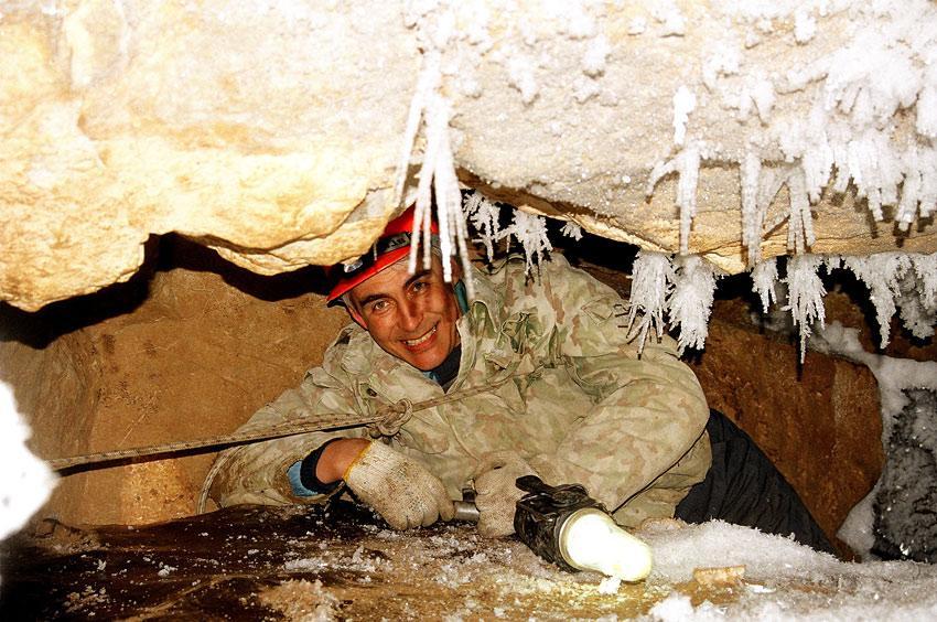 Спелеолог Андрей Черепанов. Пещера Аргаракан