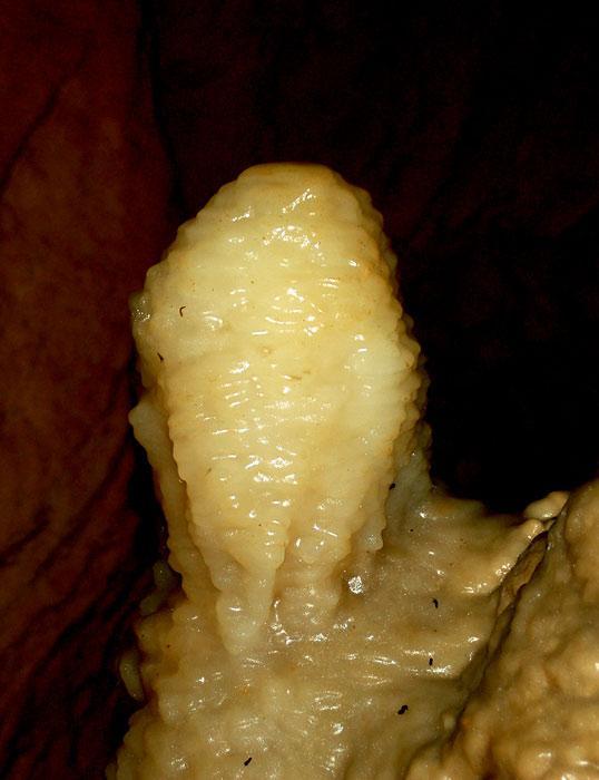 Сахарная голова. Ледяной сталагмит пещеры Охотничья