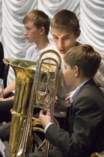 Пацанский разговор тромбона и баса