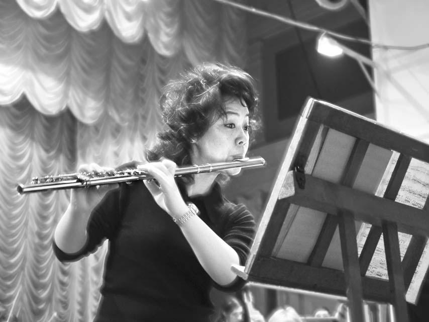 Стройная линия флейты (Кин Хен Кён)