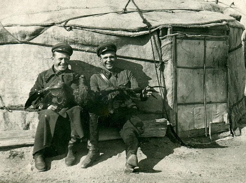 Красноармейцы в военном городке. Монголия, 1938-1939 гг.