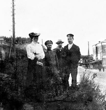 Иркутский железнодорожный вокзал. 1903 г. Фото А.С.Лаврентьева. Собственность БАБР.RU
