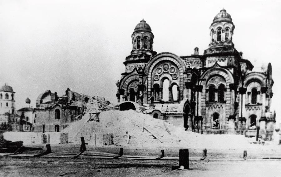 Разрушение Казанского кафедрального собора в городе Иркутске.