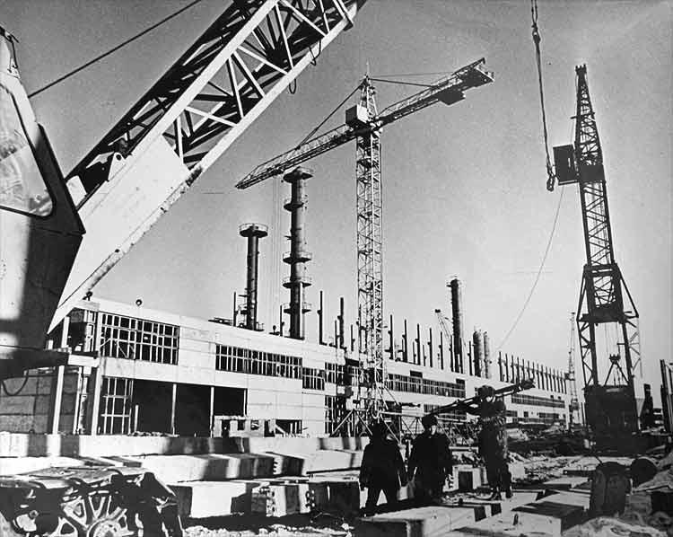 Строительство химического комбината, начало 70-х г.г.