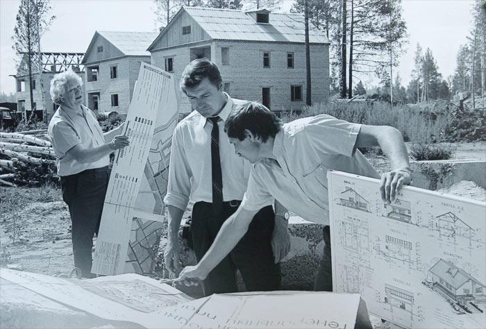 Саянск. Строительство коттеджей, 1995 г. микрорайон «Южный»