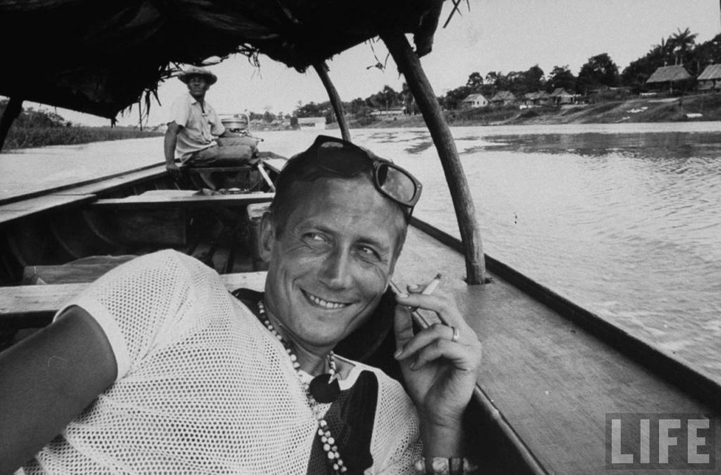 Евгений Евтушенко во время поездки в Амазонию.