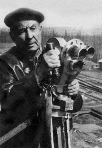 Кинооператор Петр Артемьевич Петров на строительстве БАМа