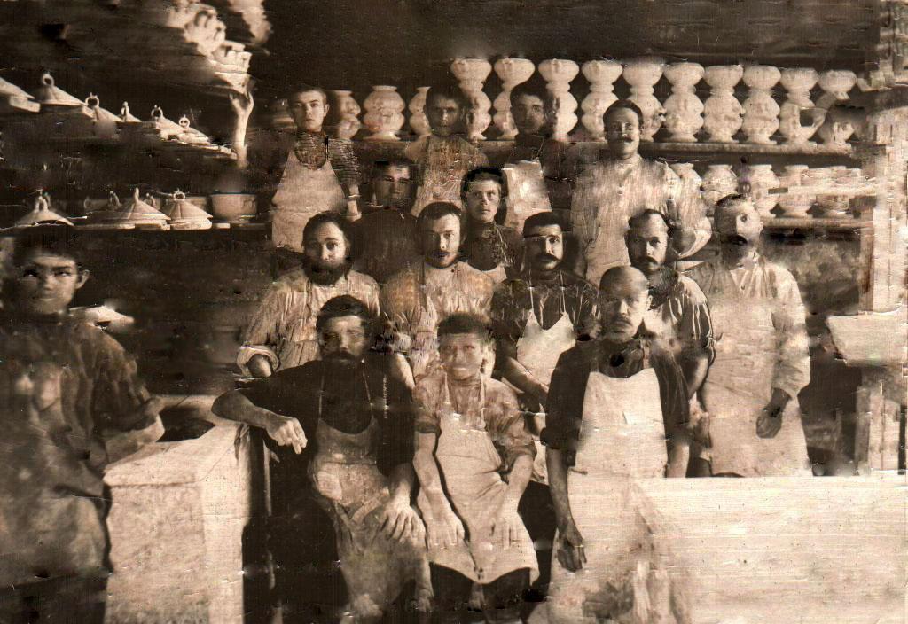 Рабочие фабрики Перевалова.