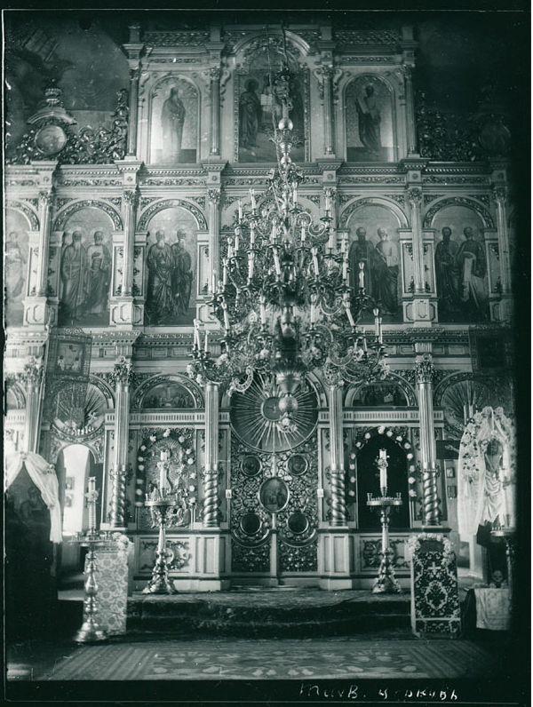 Алтарь Тихвинской церкви