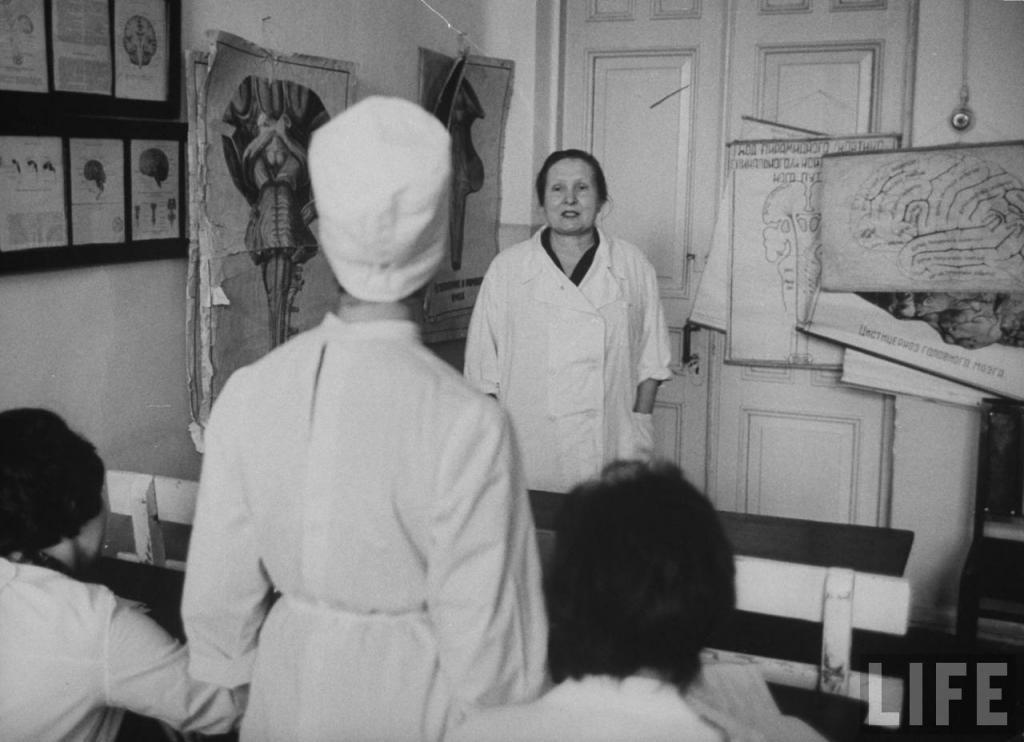 Евдокия Нелькинова, наставник Нели в неврологической клинике