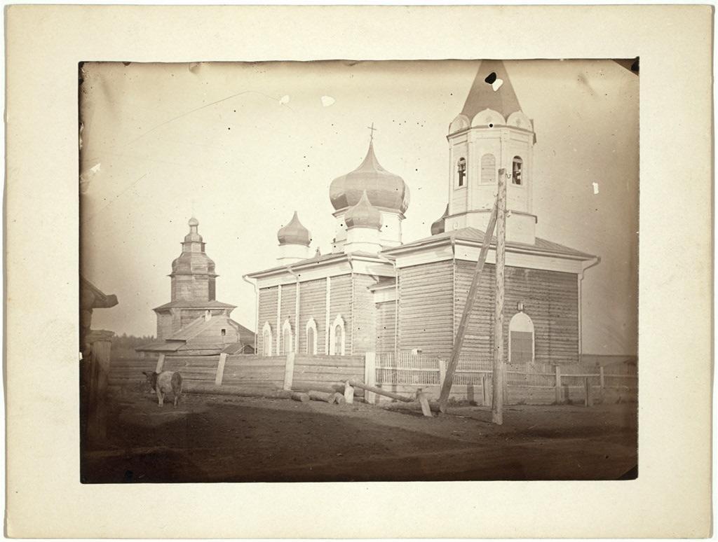 Церковь в маленькой деревушке возле Иркутска