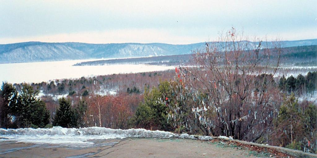Байкал. Вид Ангары возле Байкала