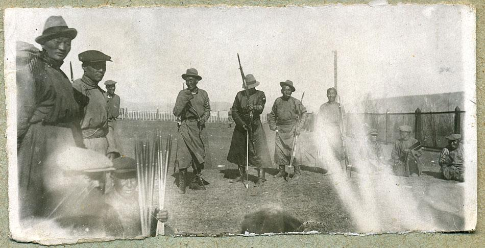 Монголия, конец 1930-х годов. Соревнования по стрельбе из лука