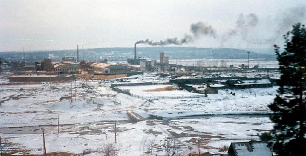 Транссибирская магистраль - 1990 год. Завод в Сибири