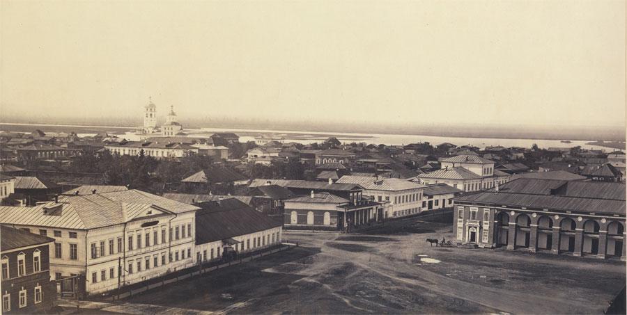 Тихвинская площадь. Вид с Тихвинской колокольни. Фото А. К. Гофмана. 1865. РГАДА