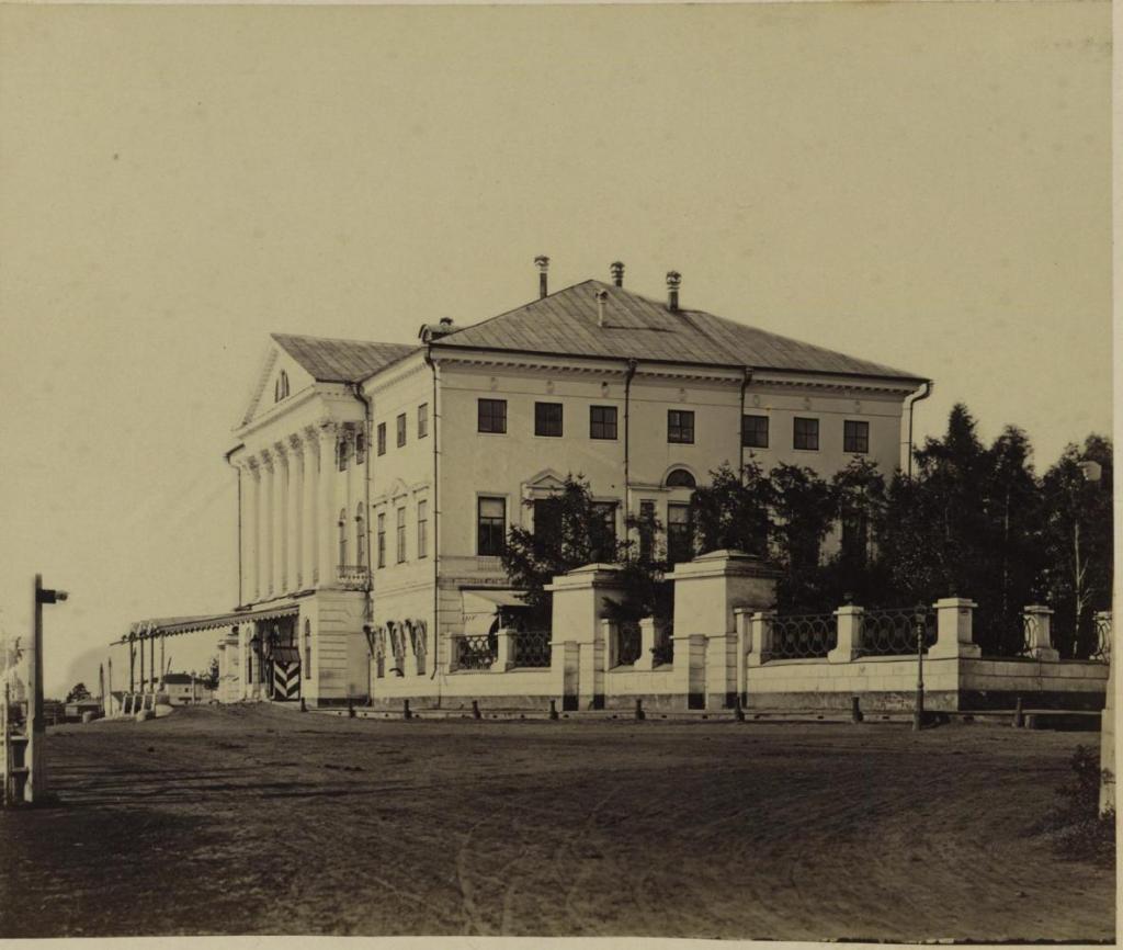 Дом генерал-губернатора.