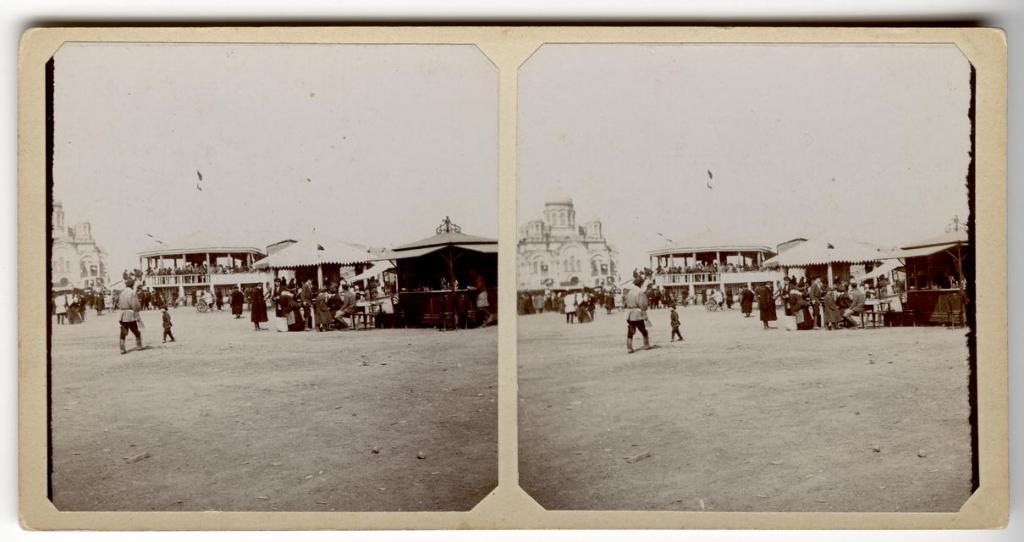 Гуляния на Тихвинской площади. 1910