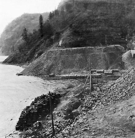 Кругобайкальская железная дорога. Долина реки Большая крутая губа. 1904 г.