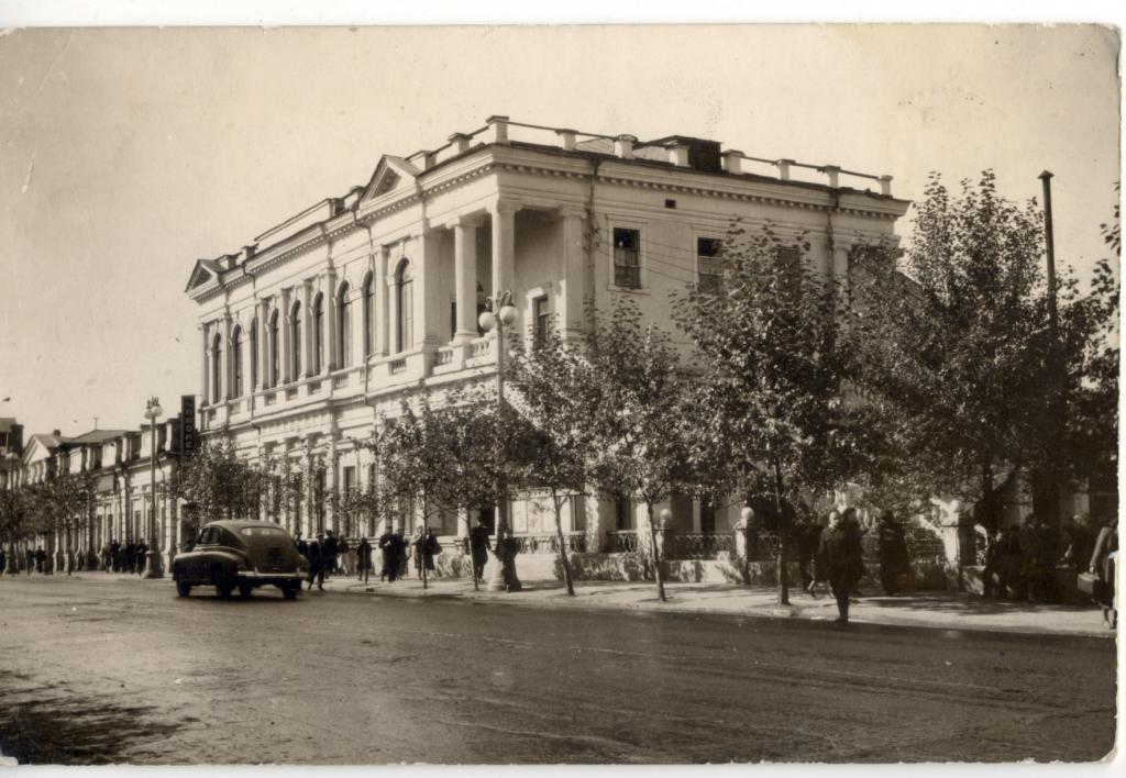 Кинотеатр «Пионер» (бывшее здание Правления Общества взаимного страхования имущества от огня)
