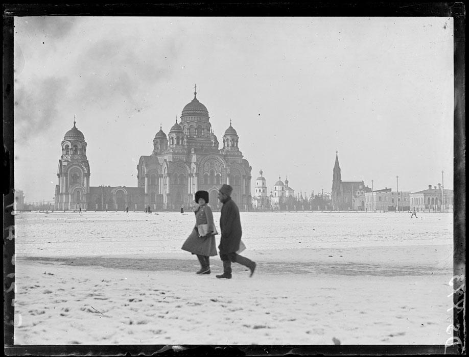 Тихвинская площадь и Кафедральный собор Иркутска. Март 1919 года.