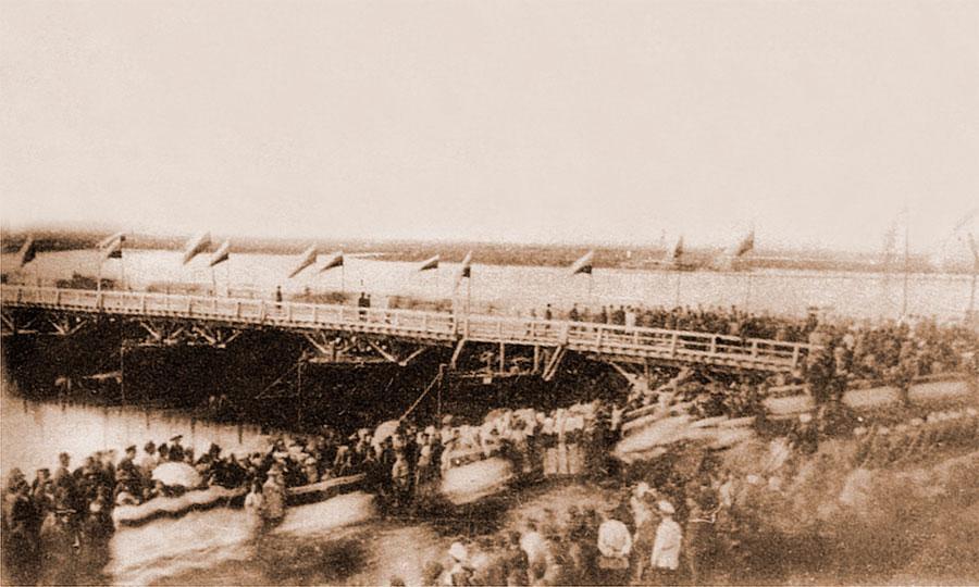 Торжественное открытие понтонного моста через Ангару в дни пребывания наследника - цесаревича.