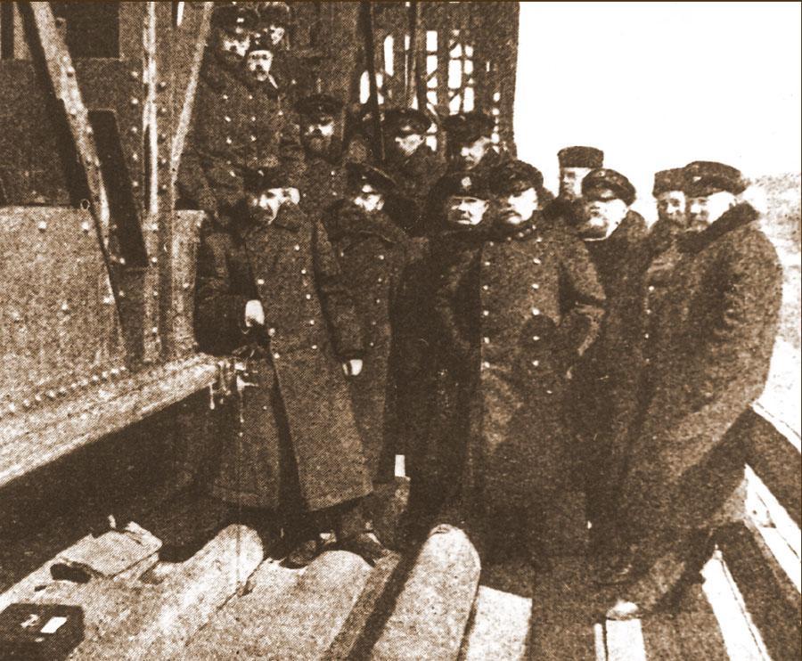 Испытание прогиба моста прибором Френкеля. Начало ХХ в
