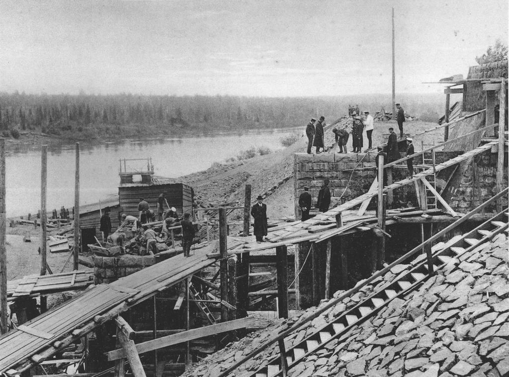 2706 верста. Возведение Иркутского устоя моста через р. Ию. Строительный период 1910 г.