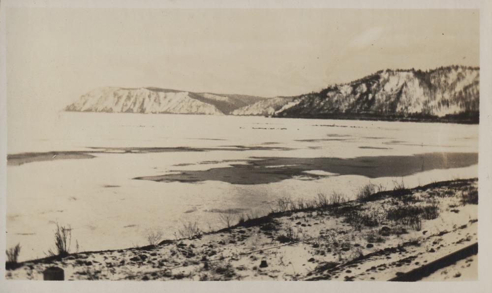 Вид на Байкал со стороны Транссибирской магистрали.