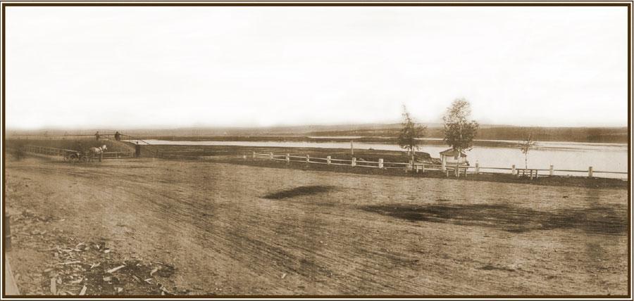 Причал на Ангаре вблизи дома генерал-губернаторов Восточной Сибири. Фото А. К. Гофмана. 1870