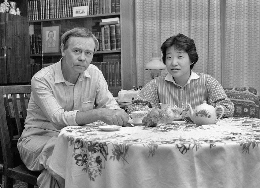 Распутин с японской переводчицей. 1980-ые годы