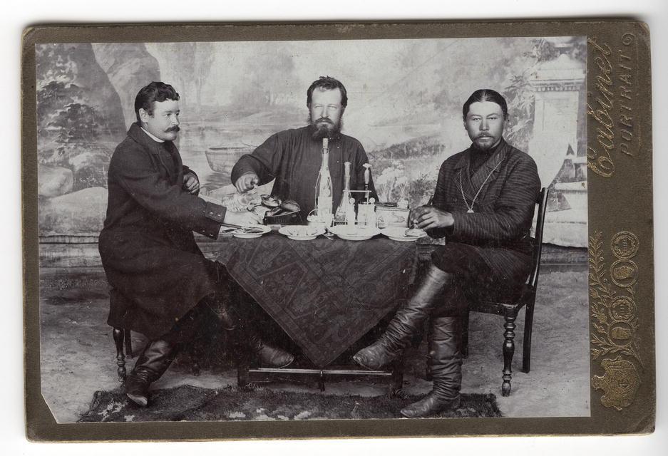 Иван Иосифович Корженевский, купец Сысоев и староста Козлов, 1912